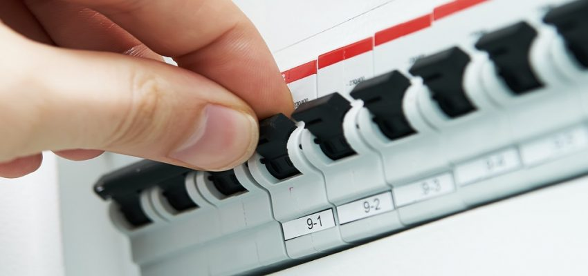 Need Electrician Services in Delhi/NCR? Why not try searching online?